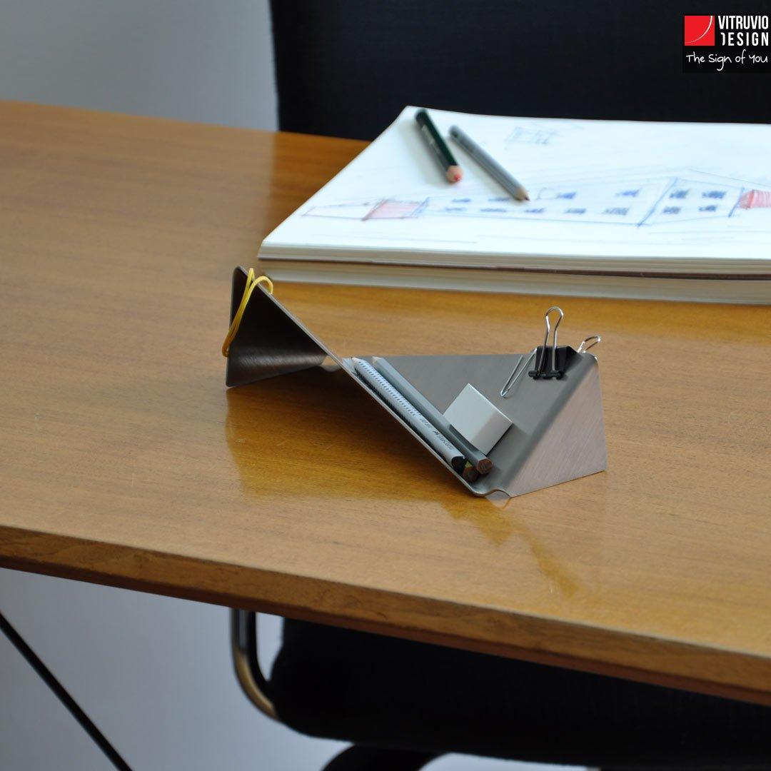 Accessori scrivania design 28 images scrivania per for Portapenne ufficio design